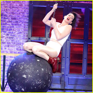 Anne Hathaway Totally Wins 'Lip Sync Battle' with Miley Cyrus' 'Wrecking Ball'!
