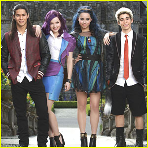 'Descendants' First Look Pics Revealed of Dove Cameron, Sofia Carson &