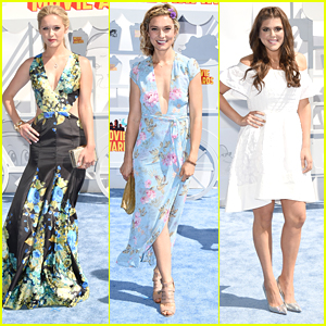 Greer & Spencer Grammer Bring Sister Power To MTV Movie Awards 2015