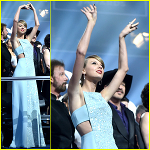 Taylor Swift Dances the Night Away at ACM Awards 2015
