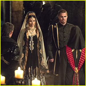 Does Oliver Get Married on Tonight's 'Arrow'?