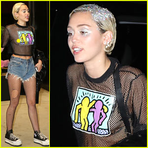 Miley Cyrus Debuts 'Tiger Dreams' Song (Video)