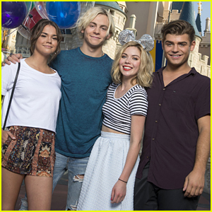 ross lynch talks about dating laura marano birth