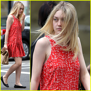 Dakota Fanning Picks Up Chipolte To Go