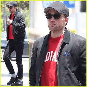 Robert Pattinson Is Looking Good with His Scruffy Stubble!