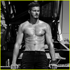 Alexander Ludwig 'Flaunts' Majorly Ripped Abs