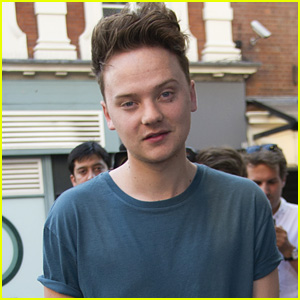 Watch Conor Maynard Plank on Top of Someone