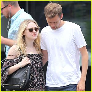 Dakota Fanning & Her Boyfriend Jamie Strachan Hold Hands After Breakfast