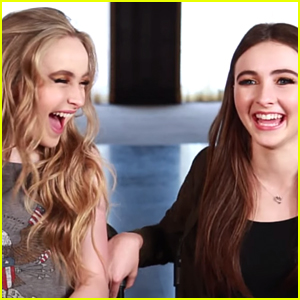 Sabrina & Sarah Carpenter Have 'A Sister Telepathy Thing' Going On