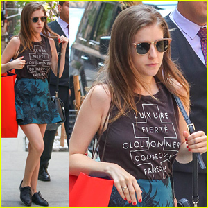 Anna Kendrick Takes Home Lots of Teen Choice Awards!