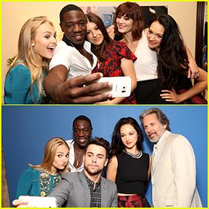 AnnaSophia Robb Takes Selfies with 'Mercy Street' Cast!