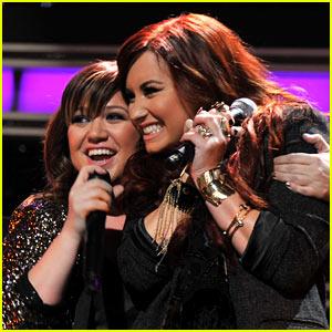 Demi Lovato's Idol Kelly Clarkson Gave Her the Best Birthday Present!