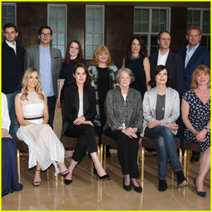 Sophie McShera Poses With Her 'Downton Abbey' Castmates for Final Promo Pic!