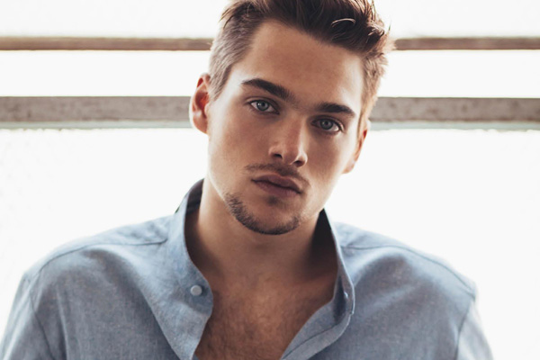 Dylan Sprayberry Was Almost Kissed By A Much Older Fan At ... Jake Gyllenhaal Girlfriend