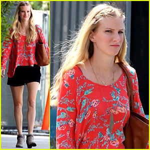 Pregnant Heather Morris Spotted After Announcing Big News!