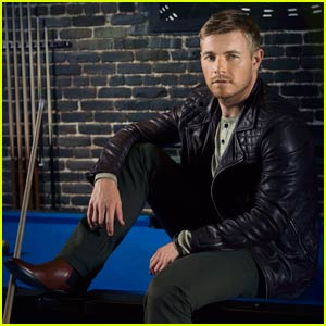 Rick Cosnett Reveals Acting Inspiration in New 'Ferrvor' Magazine Feature