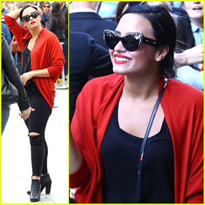Demi Lovato Rocks Out To Big Sean's 'Mona Lisa' While Seeing The Mona Lisa in Paris
