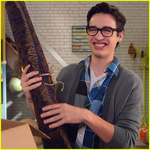 Joey Bragg Spills Secrets About Aladdin's Magic Carpet (Exclusive Video)