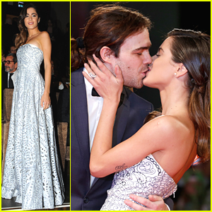 Martina and Peter were seen kissing each other at the premiere of El Clan during the 2015 Venice Film Festival in Venice, Italy on 6 September 2015