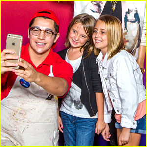 Austin Mahone Pranks His Fans At Madame Tussaud's Orlando -
