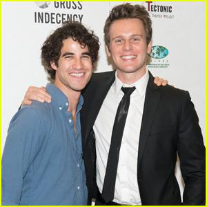 Darren Criss Reunites With 'Glee' Co-Stars at NYC Piano Bar!