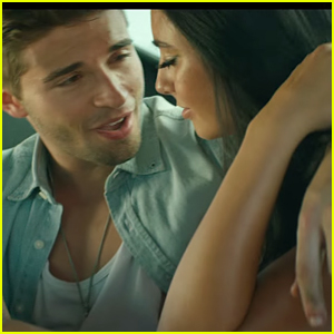 Jake Miller Fixes Cars, Goes Shirtless & Becomes Our Dream Guy In 'Yellow Lights' Video - Watch Here!