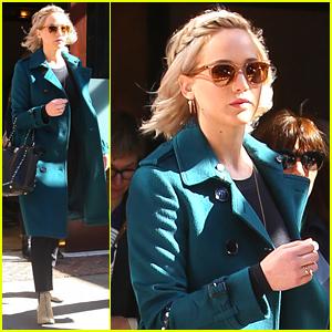 Jennifer Lawrence & Josh Hutcherson Swap Genders for 'Hunger Games' Reenactment