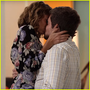 Haley & Andy Share Passionate Kiss on 'Modern Family' - Watch Now!