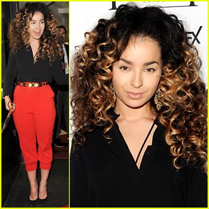 Ella Eyre Thinks Her Earrings Look Better
