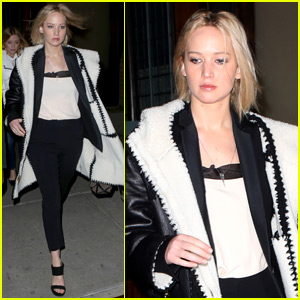 Jennifer Lawrence Catches Broadway's Hottest Show on Saturday Night!