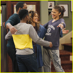 K.C. Tries To Prove Her Mom's Innocent on 'K.C. Undercover' Tonight!