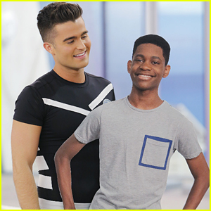 Leo Leaves The Bionic Island On 'Lab Rats' Tonight - See A Sneak Peek!