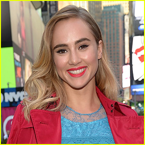 Suki Waterhouse Will Play Taron Egerton's Girlfriend in 'Billionaire Boys Club'