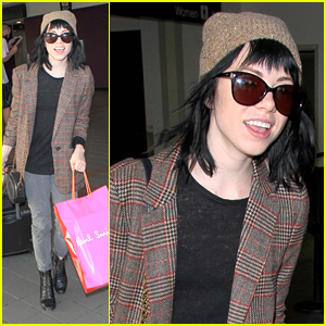 Carly Rae Jepsen Shares Look Inside Her 'Gimmie Love' Tour