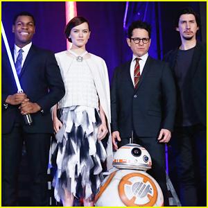 Daisy Ridley & John Boyega Hit Japan For 'Star Wars: The Force Awakens'!