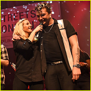 Ellie Goulding Gathers Friends For Annual Holiday Concert - See The Pics!