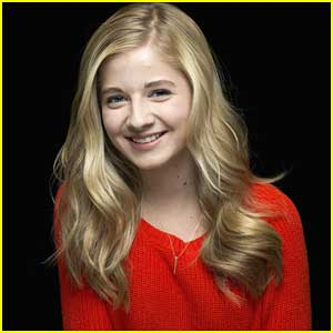 Jackie Evancho Gets New Cat For Christmas