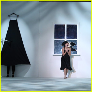 Maddie Ziegler Dances With Sia on 'The Ellen Show' - Watch Now!