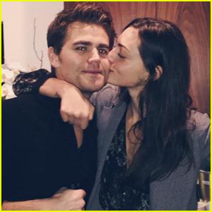 Phoebe Tonkin & Paul Wesley Share a Christmas Eve Kiss