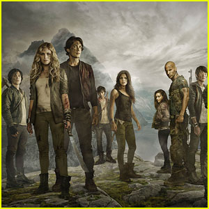 Clarke is Being Hunted in First Official Promo for 'The 100' Season Three - Watch Now!