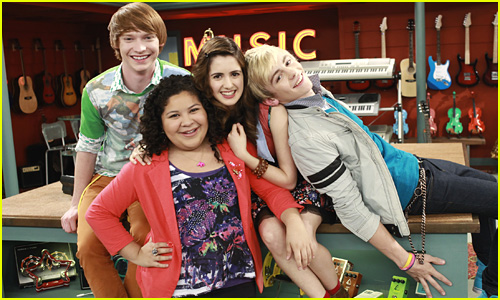 Do austin and ally start dating