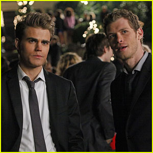 Stefan & Klaus to Reunite in Upcoming 'Vampire Diaries' & 'Originals' Crossover - Get the Details!