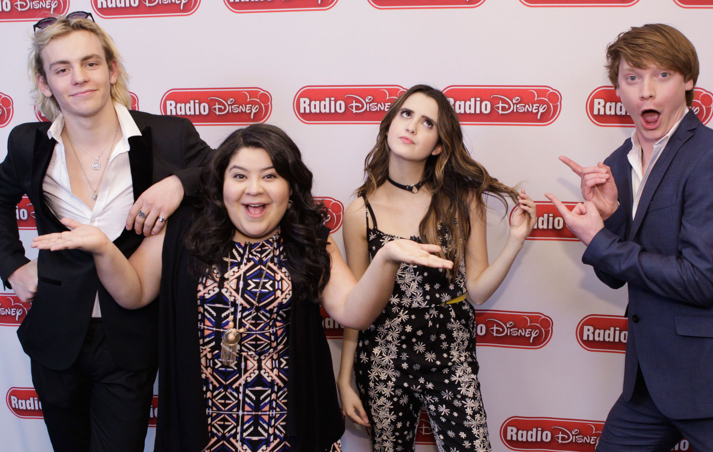 Austin Amp Ally Stars Visit Laura Marano On For The