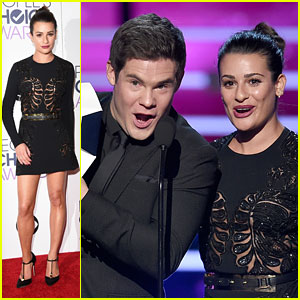 Lea Michele & Adam Devine Show Love for Chris Pratt's 'Glistening Abs' at People's Choice Awards