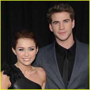 Exes Liam Hemsworth & Miley Cyrus Reunite in Australia (PHOTOS)
