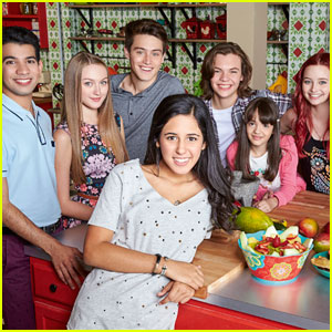 The Kitchen Cast every witch way' cast dances it out with 'talia in the kitchen