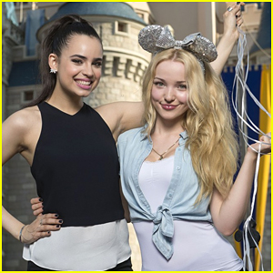 Dove Cameron & Sofia Carson Wish 'Descendants' Kenny Ortega Luck Ahead of DGA Awards 2016