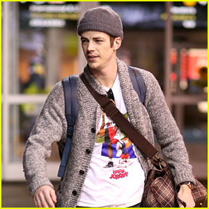 Grant Gustin Flies Home After Filming 'Flash' & 'Supergirl' Crossover