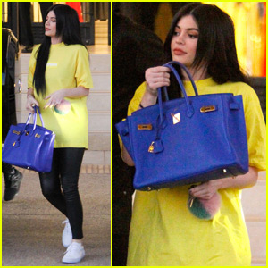 Kylie Jenner Plays Her Mobile Game All The Time!