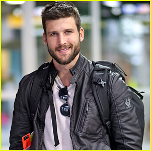 Parker Young Returns to Vancouver for 'Arrow' Shooting
